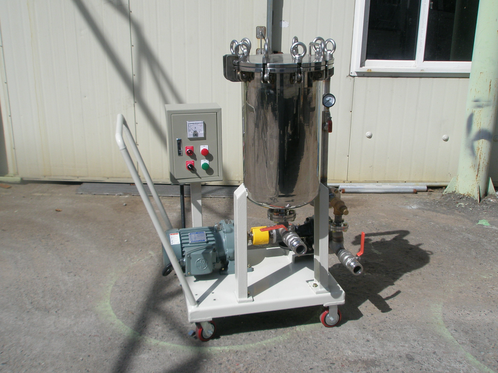 filling machine 07.JPG
